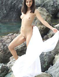 Wholly Bonny Dabbler Nudes